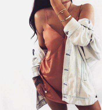Damen Trägerkleid Minikleid Freizeitkleider Ärmellos V-Ausschnitt High Waist Trägerlos Volltonfarbe Locker Mini