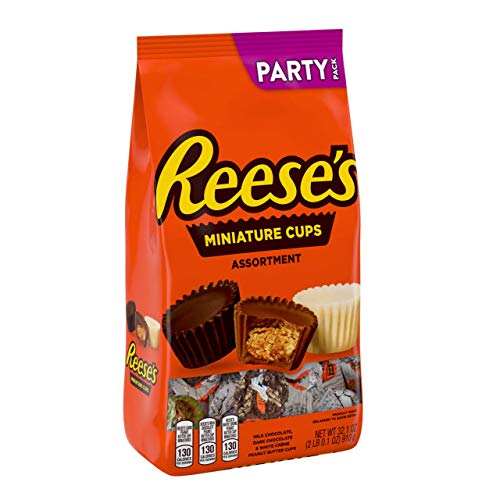 Halloween Party Mix With White Chocolate (REESE'S Peanut Butter Cup Chocolate Candy, Dark, Milk & White Crème Miniatures Assortment, Party Bag, 2)