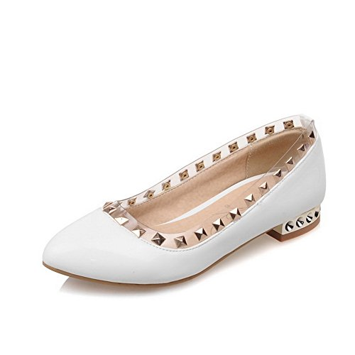 BalaMasa da donna slip-on low-heels borchie in vernice pumps-shoes, Bianco (White), 35