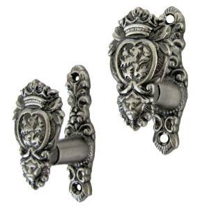 Medieval Lion Head Hooks Set