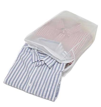 Bolsa para el almacenamiento de cinco camisas dobladas de ...