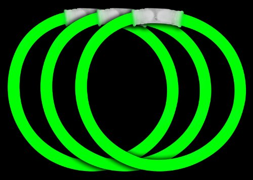 Glow In The Dark Green (Fun Central 50 Pieces - 8 Inch Glow Stick Bracelets - St. Patrick's Day Glow in The Dark Party Supplies -)