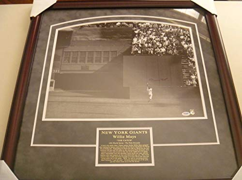 (Willie Mays The Catch 1954 World Series Autographed Signed 16x20 Framed Uv Glass Memorabilia PSA/DNA)