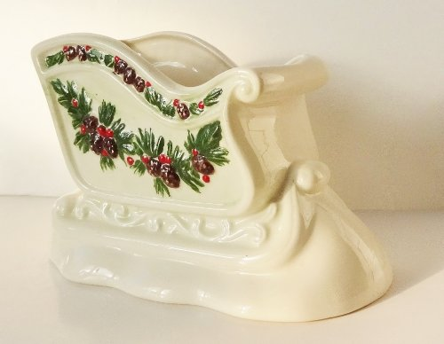 1985 Hand Crafted Ceramic Holiday Sleigh Planter / Candy Dish / Flower ()