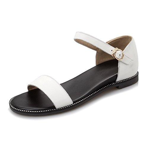 Amoonyfashion Kvinners Åpen Tå Spenne Ku Skinn Solide Lave Hæler Kiler-sandaler  Hvite