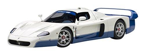 AUTOart 1/18 Scale – 75801 Maserati MC12 Road car Presentation Pearl White Blue