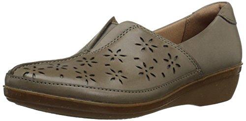 CLARKS Women's Everlay Dairyn Slip-On Loafer, Sage Leather, 8 W - Womens Sage Khaki