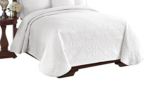 Historic Charleston 13991BEDDKNGWHI King Charles Matelasse 108-Inch by 96-Inch King Coverlet, White