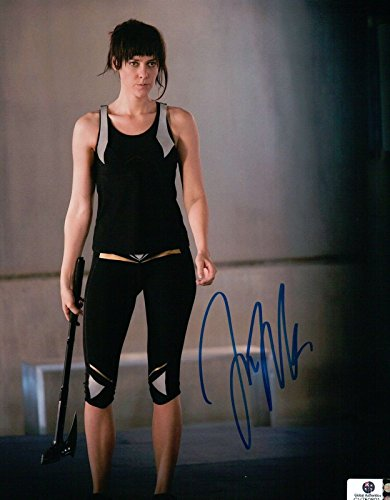 (Jena Malone Hand Signed Autographed 8x10 Photo Hunger Games GA750801)