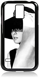 Audrey Hepburn-Black and White-Hat- Hard Black Plastic Snap - On Case with Soft Black Rubber LiningGalaxy s5 i9600 - Great Quality!