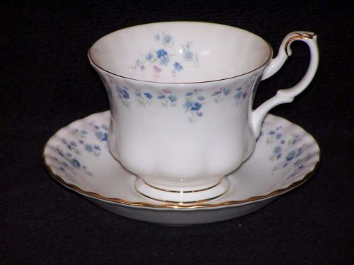 [Royal Albert Memory Lane Cups & Saucers] (Royal Albert Bone China Memory Lane)