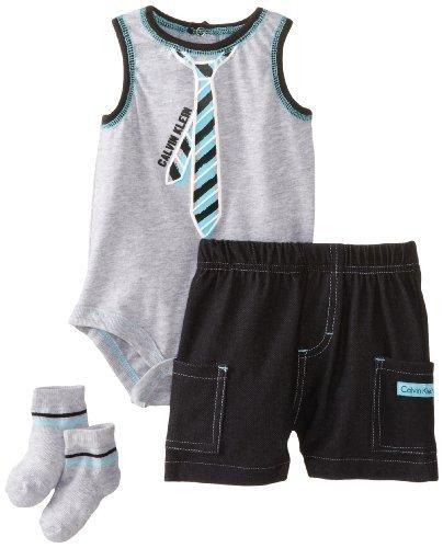 Calvin Klein Baby-Boys recién nacido Creeper con negro Cargo pantalones cortos y calcetines,