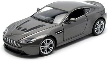 Welly Modellauto Aston Martin V12 Vantage 2010 Silber Maßstab 1 24 Amazon De Spielzeug