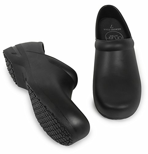 Woman's Clog Shoe with Memory Foam in Sole, and Anti Slip Grip Sole Technology, Water and Stain Resistant. (7, Black)