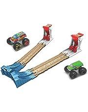 Hot Wheels GYC80, Monstertrucks Verdubbelde Vernietiging 3-in-1 Speelset met 1 Monstertruck op een schaal van 1:64, 1 Crashvoertuig, 2 Lanceerders, compleet cadeau voor kinderen van 4 tot 8 jaar