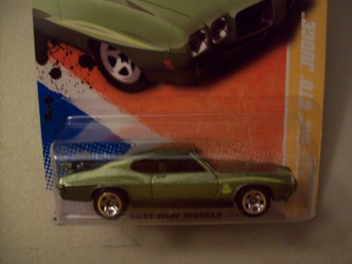 Hot Wheels 2011 New Models Green 1970 Pontiac GTO Judge