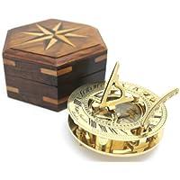 Reloj de sol y brújula en caja
