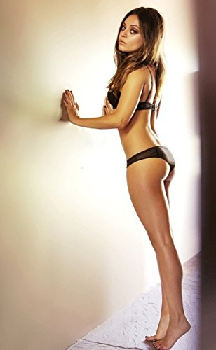 Mila Kunis poster 40 inch x 24 inch / 21 inch x 13 inch