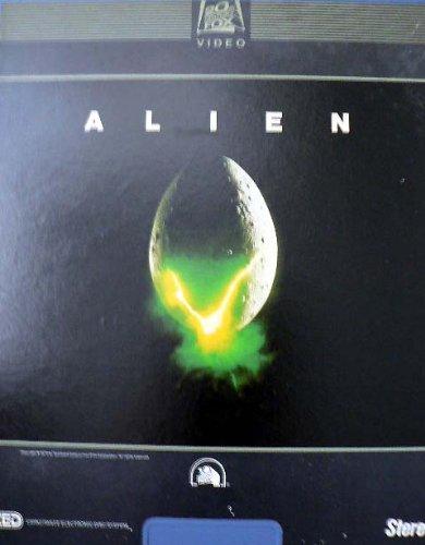 sigourney-weaver-in-alien-ced-videodisc-20th-century-fox-video-selectavision