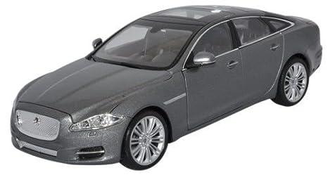 Amazon Com Welly Nex Diecast Model 2010 Jaguar Xj Grey Car 1 24