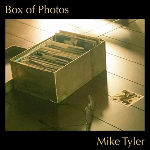 Box of Photos ()