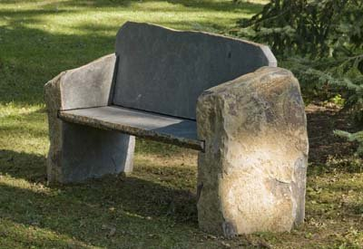 Magnificent Amazon Com Landmark Basalt Stone Boulder Bench With Back Frankydiablos Diy Chair Ideas Frankydiabloscom