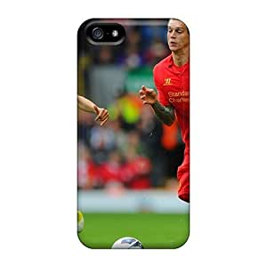 DOOtaME1994AcTka The Player Of Liverpool Daniel Agger Is Running Forwards To The Ball Awesome High Quality Iphone 5/5s Case Skin