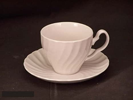 Johnson Brothers Servies.Johnson Bros Regency White Cups Saucers