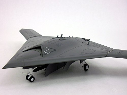 Northrop Grumman X-47 (X-47B Drone / UCAV/ UAV) 1/72, used for sale  Delivered anywhere in USA