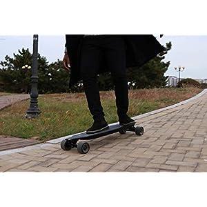 RCB Longboard Skateboard Électrique avec télécommande, Planche Design à roulettes 4 Roues, Batterie Durable, Monteur Puissant, Noir