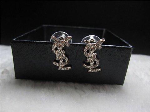 Trendy Gold Vintage Small Y Studs Earrings
