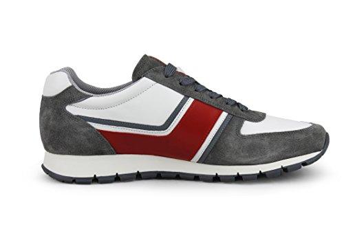 Prada Mens Plume In Pelle Di Vitello Con Sneaker Trainer In Suede, Grigio / Bianco / Rosso 4e2943