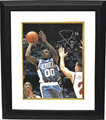 Tony Delk Signed Photo - Kentucky Wildcats 8x10 Custom Framed #00 blue jersey) - Autographed College Photos