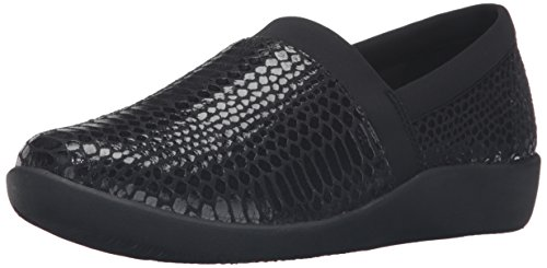 Clarks Mujeres Cloudsteppers Sillian Blair Slip-on Loafer Black Python Synthetic