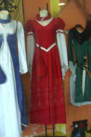 Vestido Reina Medieval Zara mujer