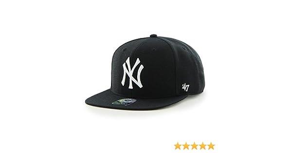 Amazon.com   47 Forty Seven Brand MLB New York Yankees Sure Shot Snapback  Cap Black Captain  Clothing dd968e27b03c