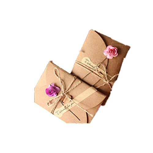 (5 Pcs Vintage DIY Kraft Paper Invitation Greeting Card with Envelope Handmade Dry Flower Wedding Party Invitation Envelopes,Random)