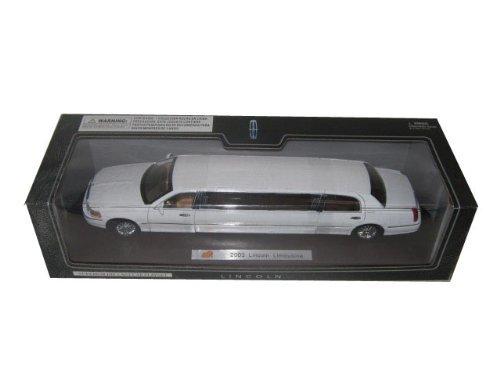 2003-lincoln-town-car-limousine-white-diecast-car-model