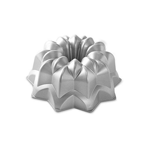 Nordic Ware Pro Cast Star Bundt Pan -