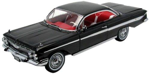 (1961 Chevrolet Impala SS 409 Sport Coupe Black 1/18 by Sunstar 2101)