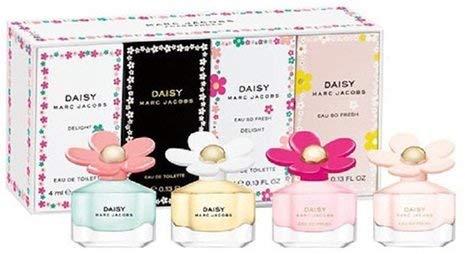 Marc Jacobs Daisy 4-Piece Mini Variety Set (Daisy, Daisy Eau so Fresh, Daisy Delight, Daisy Eau so Fresh - Collection Splash Fragrance Jacobs Marc