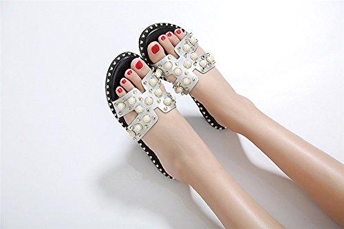 LIVY 2017 verano nuevas sandalias de lujo de la perla con incrustaciones zapatos planos de los remaches zapatillas de moda Blanco