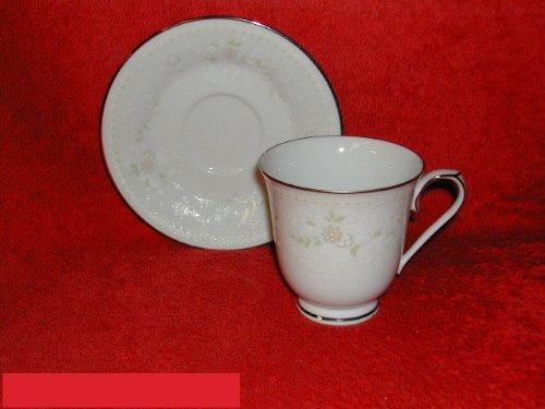 Noritake Temptation #2752 Cups & Saucers