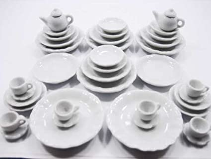 Dollhouse Miniatures 10 White Ceramic Heart Plate Kitchenware Deco Size 30 mm