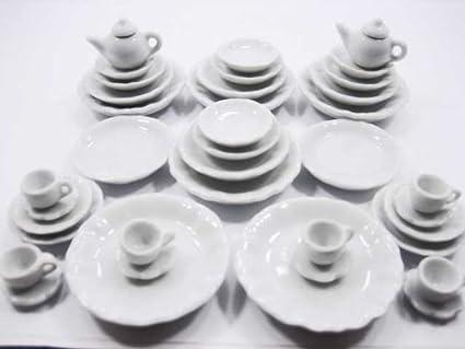Dollhouse Miniatures 10 White Ceramic Heart Plate Kitchenware Deco Size 30 mm