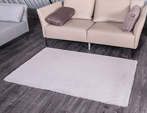 - Rebacco Handmade Faux Fur Rug Rabbit Fur Style Anti-Skid Shag Area Rugs, Safe and Hypoallergenic Rugs for Home Decoration (3'7