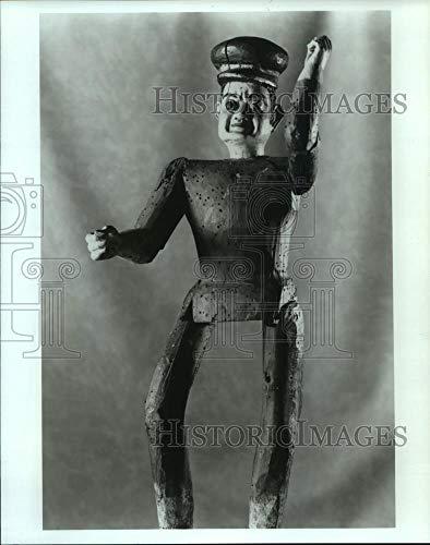 Vintage Photos 1993 Press Photo Marionette at The Folk Art of Latin America Traveling Exhibit