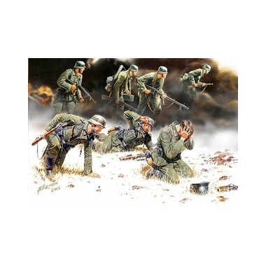 Kit 1 Figure - Master Box German PzGrenadiers Set #2 1939-42 (7) Figure Model Building Kits (1:35 Scale)