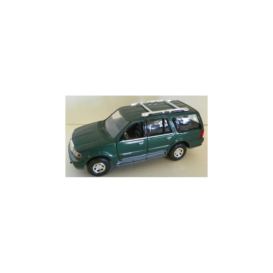 Motormax 1/24 Scale Diecast 1998 Lincoln Navigator in