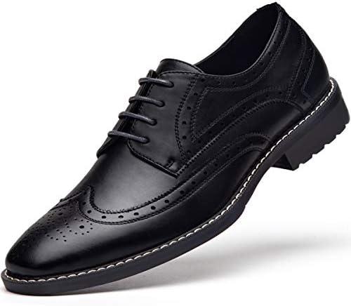 کفش مجلسی با لباس Wingtip آکسفورد را توری می کند
